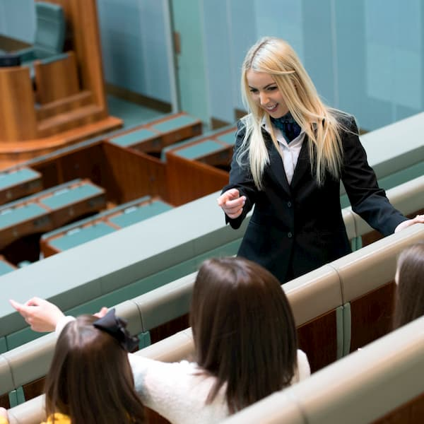 Opening hours, guided tours, transport information