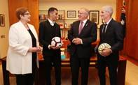 Hakeem al-Araibi meets with the Prime Minister, Foreign Minister and Craig Foster at Parliament House