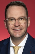 Photo of Senator Andrew Bragg