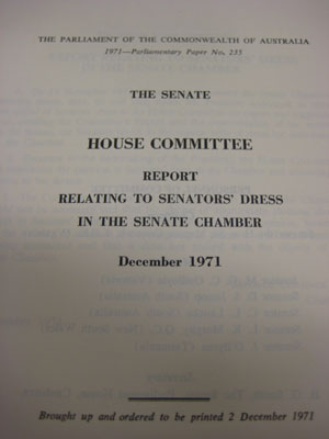 Report relating to senators' dress in the Senate Chamber