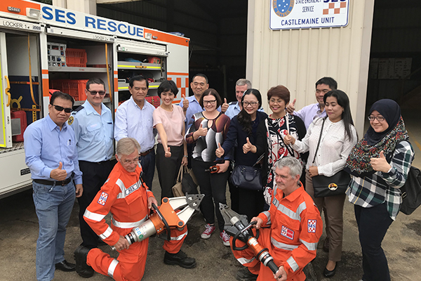Members of the delegation with Castlemaine SES and Lisa Chesters MP
