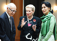 Romaldo Giurgola AO, Hon Bronwyn Bishop MP and Aung San Suu Kyi