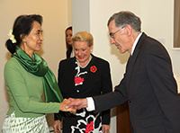 Aung San Suu Kyi meets Bernard Wright, Clerk of the House of Representatives