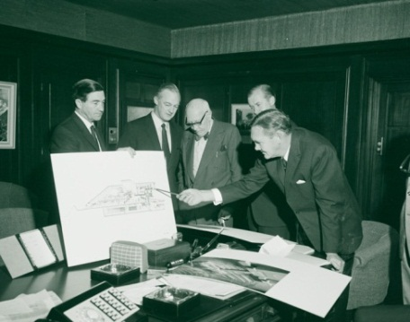 Sir John Overall, Robin Boyd, Sir Daryl Lindsay, Mr Peter Nixon and Mr John Gorton look at the plan for the new National Gallery in Canberra, Australian News and Information Bureau