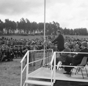 Prime Minister the Rt Hon. Malcolm Fraser addresses guests at the ceremony to turn the first sod for construction of the new and permanent Parliament House, Capital Hill, Canberra