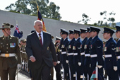 Sir Peter Cosgrove inspects the Guard