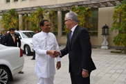 President Sirisena greets Prime Minister Malcolm Turnbull at Parliament House
